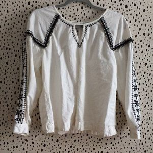 White with black detail cute boho blouse a.n.a. M